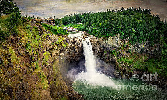 Snoqualmie Falls by Joan McCool