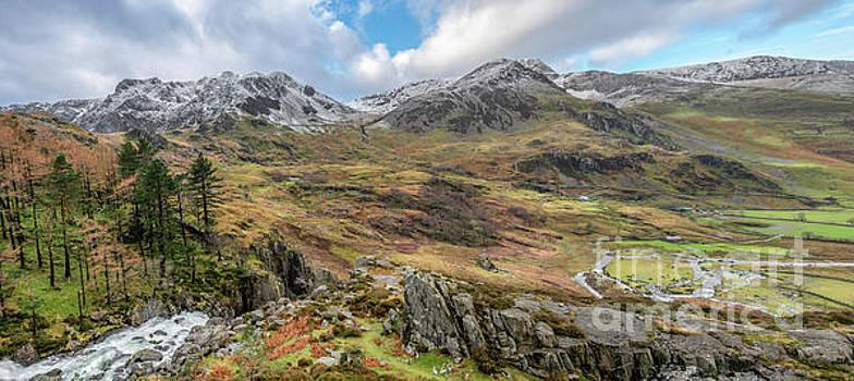 Adrian Evans - Snowcapped Snowdonia