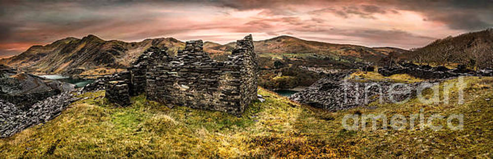 Adrian Evans - Snowdonia Ruins Panorama