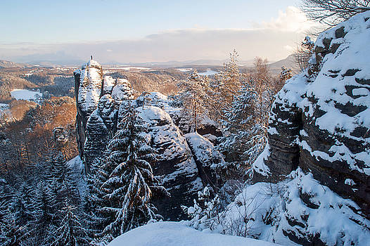 Jenny Rainbow - Snowy Rocks of Saxon Switzerland