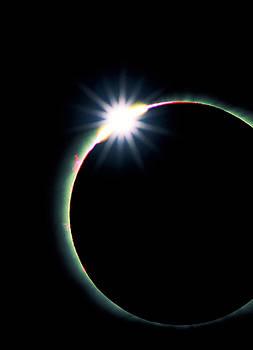 Solar eclipse diamond ring effect 3 by David Nunuk