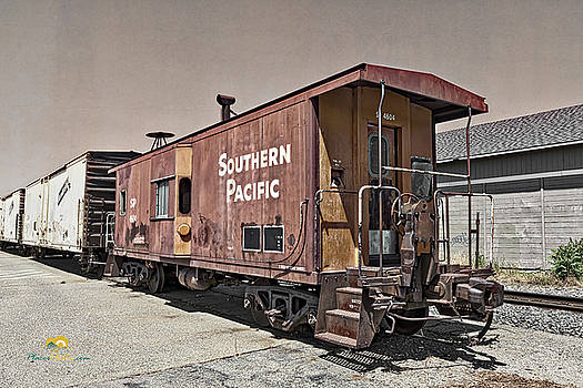 Southern Pacific Caboose by Jim Thompson