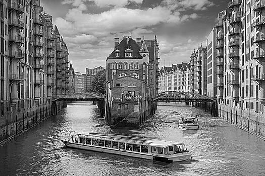 Speicherstadt-Hamburg by Robert Lacy