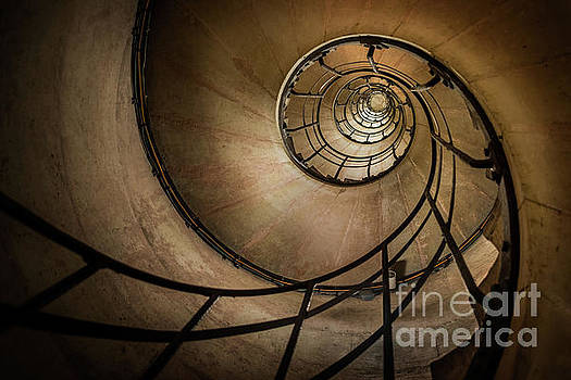 Spiral stairs - Arc de Triomphe by Martin Williams