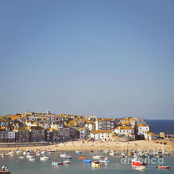 St Ives harbour by Lyn Randle