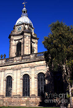 St Phillips cathedral, in Birmingham city centre by Baggieoldboy
