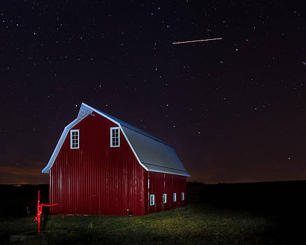 Stary Night At The Red Barn by Mark McDaniel