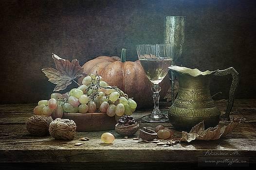 Still-life with a pumpkin by Marina Volodko