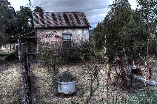 Stuart-Town Bakery by Ian  Ramsay