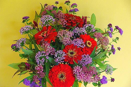 Byron Varvarigos - Summer Flower Bouquet