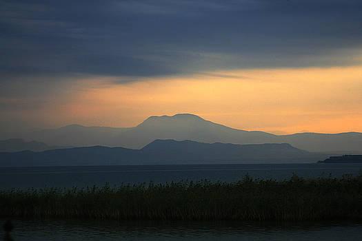 Isaac Silman - Sun rise at Lake Garda Italy