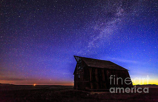 Sunrise Barn by John Lee