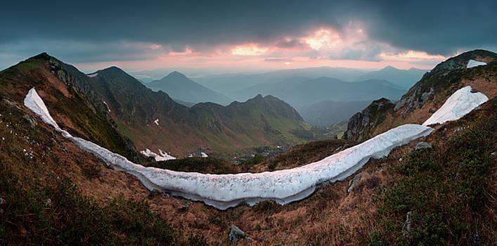 Sunrise in Marmorosy. Carpathians, Ukraine by Sergey Ryzhkov