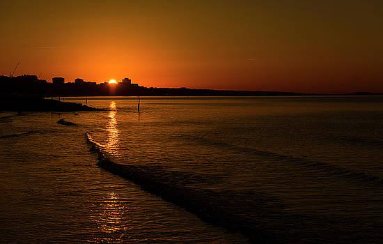 Steven Poulton - Sunrise over Poole Bay