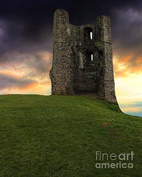 Sunset at Hadleigh Castle by Vicki Spindler