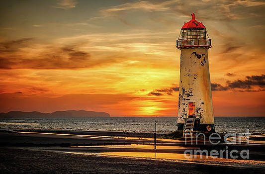 Adrian Evans - Sunset At The Lighthouse