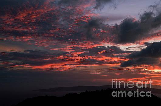 Charmian Vistaunet - Sunset from South Maui