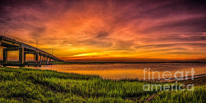 Sunset in Sea Isle City by Nick Zelinsky