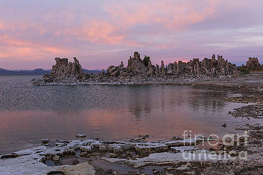 Sandra Bronstein - Sunset on Mono Lake