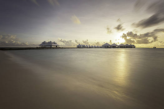 Sunset Paradise by Stuart Gennery