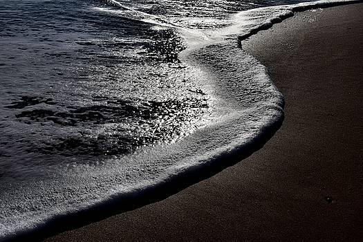 Surf, Ocean City, Maryland, 2015 by Wayne Higgs