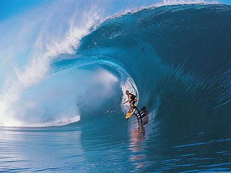 Surfin- in  Teahupoo-Tahiti by Desenclos Patrick