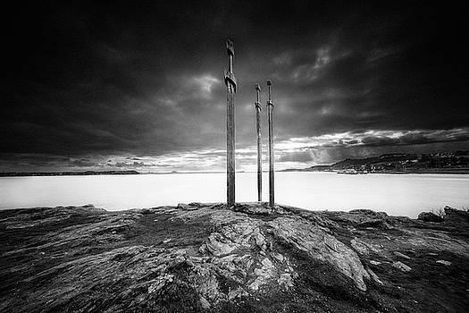Sverd i fjell by Erik Brede