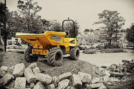Tadcaster Dumper  by Rob Hawkins