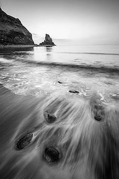 Talisker beach by Davorin Mance
