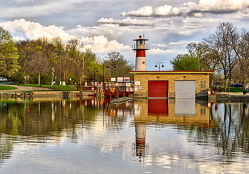 Tenney Lock - Madison - Wisconsin by Steven Ralser