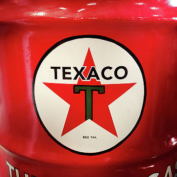 Texaco 2 by Les Cunliffe