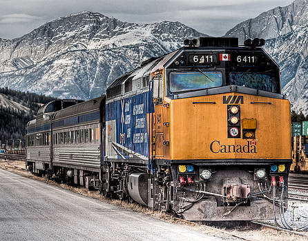 R J Ruppenthal - The Canadian - VIA 6411