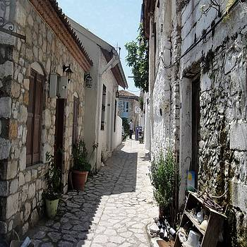 Tracey Harrington-Simpson - The Cobbled Back Streets Surrounding Old Marmaris