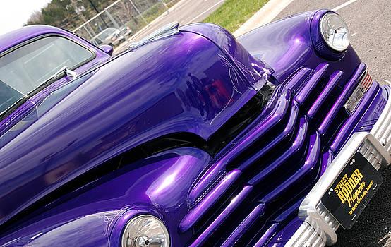 Susanne Van Hulst - The color purple