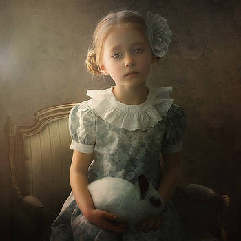 The girl and the rabbit by Cindy Grundsten