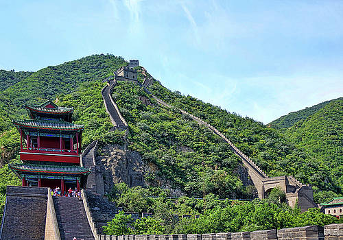 The Great Wall 2 by Rick Lawler