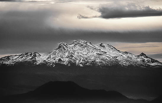 The Iztaccihuatl by David Resnikoff