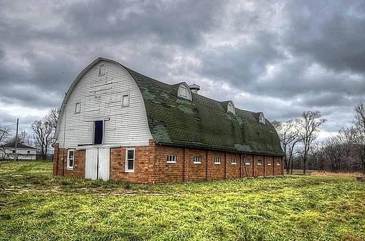 The Long Barn by Jeffrey Platt