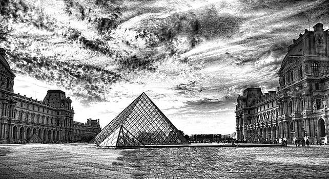 Chuck Kuhn - The Louvre Blk n Wht