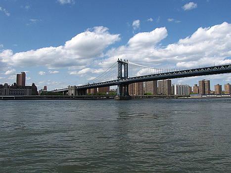 The Manhattan Bridge by Peter Aiello