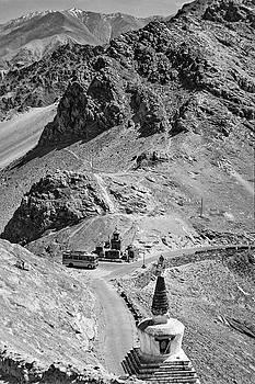 Steve Harrington - The Road to Ladakh bw