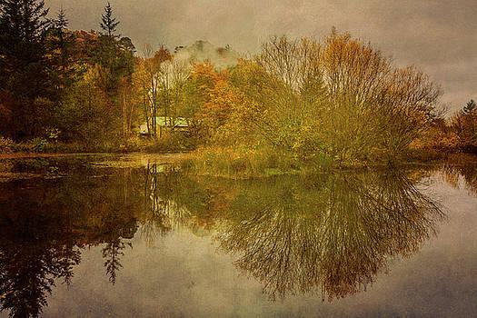 The Smokehouse in Autumn by Derek Beattie