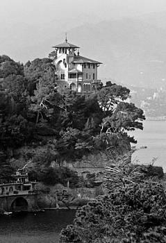 The Villa by Antonio Gruttadauria