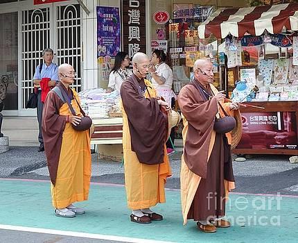 Three Buddhist Monks Chant Scriptures by Yali Shi