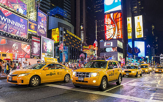 Times Square by Kobby Dagan