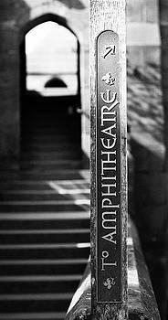 To the amphitheatre by Paul Jarrett