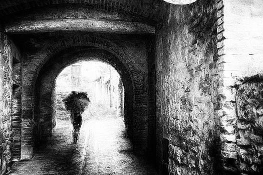 To the light - impressionist street photography by Frank Andree
