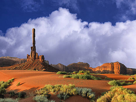 Dominic Piperata - Totem Pole Monument Valley