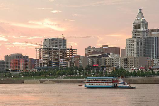 Randall Branham - Touring the Cincinnati  OHIO Skyline