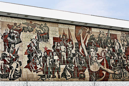 Christine Till - Traces of socialist idealism in Dresden
